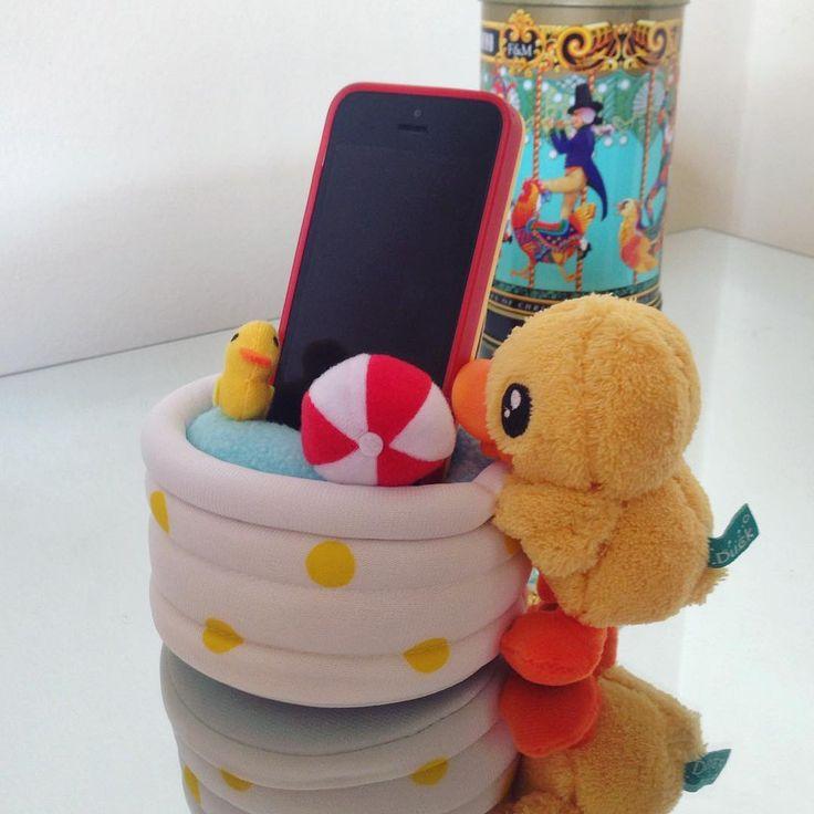 Seu telefone vai ter uma piscina pra descansar com esse porta celular da B.Duck! Lindo né! - Loja finé - www.lojafine.com