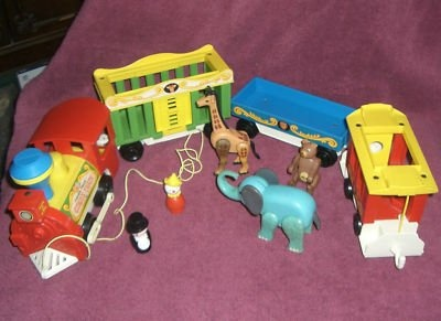 Easily my favourite of the Fisher Price little people line. I love the way the horn tooted on that train.