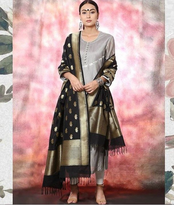 77dfe44035 Beautiful Banarasi Silk Dupatta.   Dupatta/Stoles/Scarf in 2019 ...