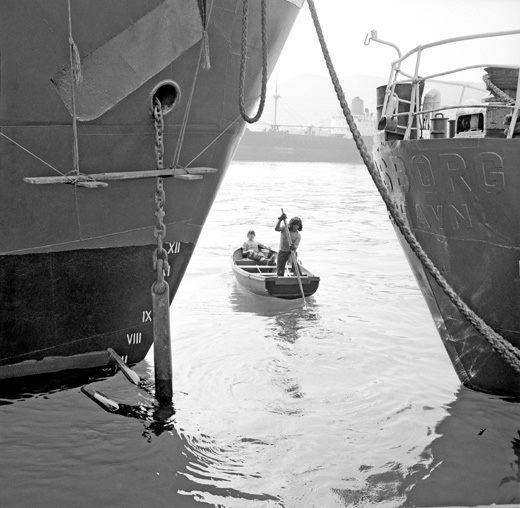ΣΥΡΟΣ 1970.ΦΩΤΟΓΡΑΦΙΑ ΖΑΧΑΡΙΑΣ ΣΤΕΛΛΑΣ
