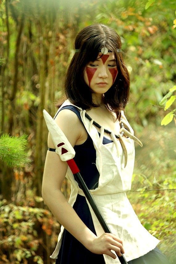 Princess Mononoke cosplay. | If I could just cosplay as every character from Miyazaki movies (Sophie, Chihiro, Arrietty, San...) I would be one happy girl. I love San's costume the best, though!