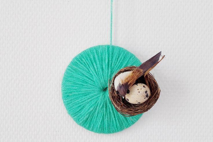 Leuk voor Pasen; slingers en decoratie knutselen https://www.mamaliefde.nl/blog/slingers-decoratie-knutselen-pasen/