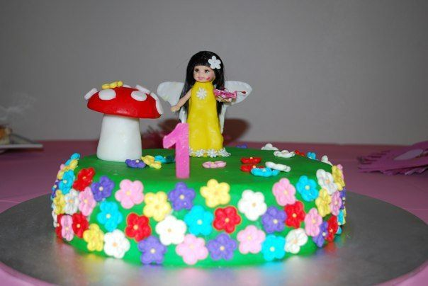 Milla's first bday party. The theme was fairy garden