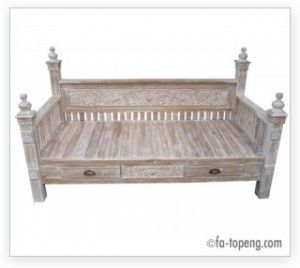 Wholesale Bali Furniture » Sofa Day Bed with carving...with big, fun, modern cushion.