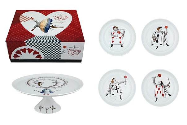 """""""TEA WITH ALICE - Pack 4 (Set Small Footed Cake Plate and 4 Plates: """"Spades""""; """"Diamonds""""; """"Clubs""""; """"Hearts"""".)"""
