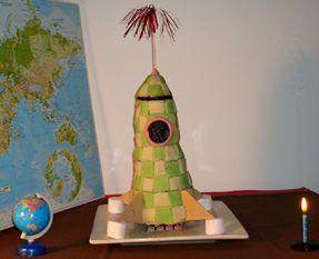 gateau anniversaire fusée