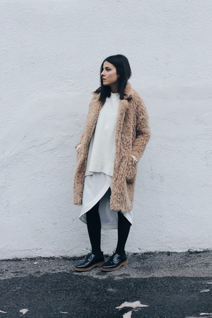 Fluffy coat | White layering | Black legs and shoes
