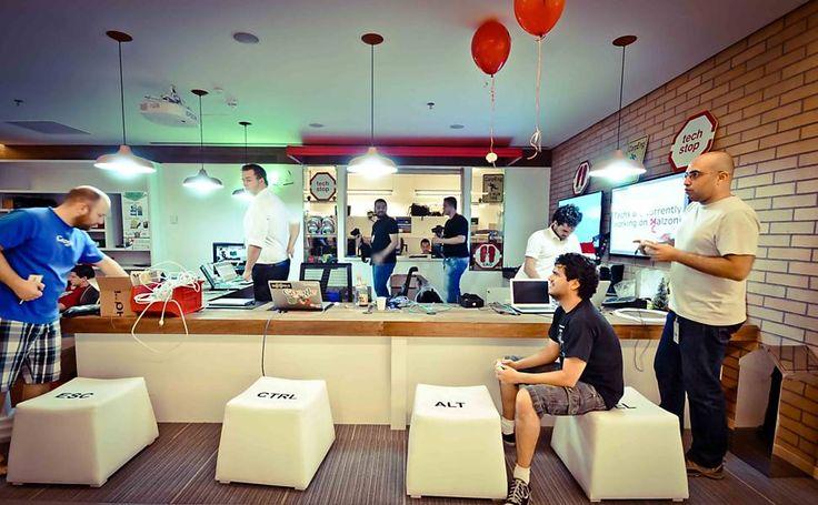 Folha de S.Paulo - Classificados - Empregos - Novo escritório do Google no Brasil 'imita' regiões de SP; veja fotos - 16/01/2013