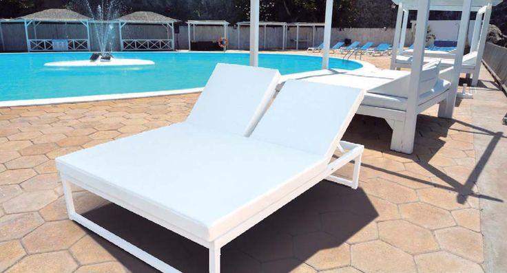 http://www.todoensillasymesas.com/es/tumbonas/1136-tumbona-doble-aluminio-reclinable-resort.html