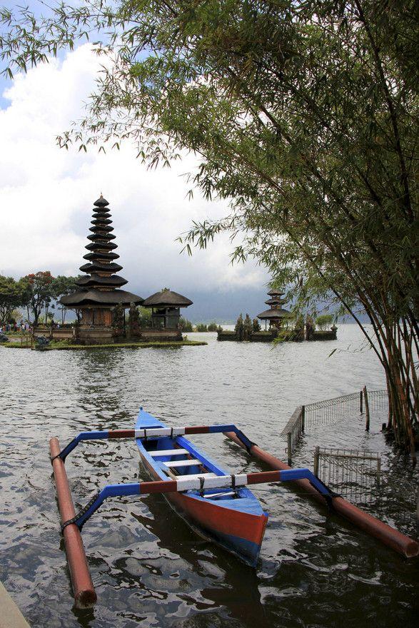 CANDI KUNING    @Bedugul, Bali, Indonesia