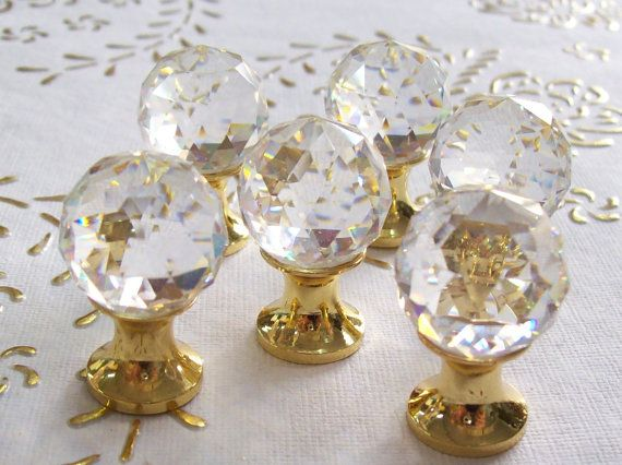 Manopole di Italia Swarovski Crystal in alta qualità. Base