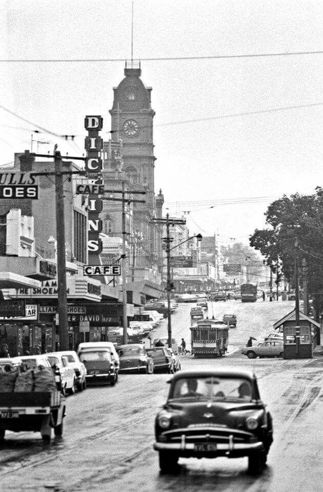 Bridge Mall in Ballarat,Victoria (year unknown).