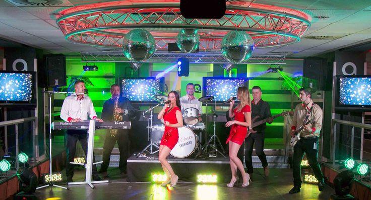 A'la Carte Showband Partyzenekar , Esküvői zenekar A Bodywakes születésnapi partyján járt a csapat !  Kivételes emberek , fantasztikus hangulat és tökéletes szervezés ! Ravasz Katalin , Frányó Eszter , Szántai Csonka Enikő , Szántai Zsolt , Fenyő Iván , Dj.Smash (Szalmás Gábor ) ! Már most várjuk a következő születésnapot Veletek !!! smile hangulatjel http://www.alacartemusic.hu/index.php/blog/75-a-partyzenekar-a-bodywakes-szuletesnapi-partyjan