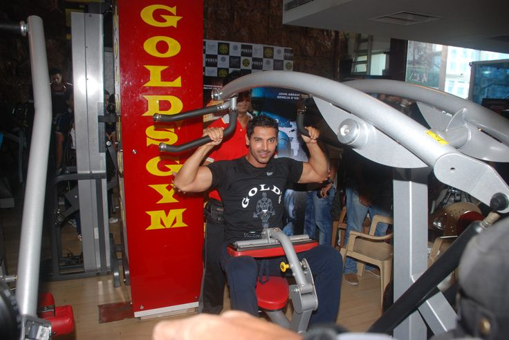 John Abraham promotes his film Force at Golds Gym.  September 2011  At Gold's Gym Bandra