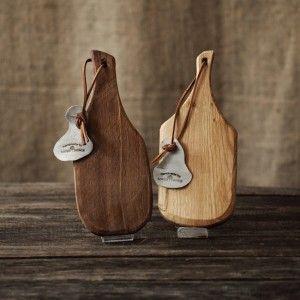 PALA V - tocător pentru bucătărie, platou de servire a branzeturilor, aperitivelor sau a pestelui. Unicate, handmade by Loved Things Studio.