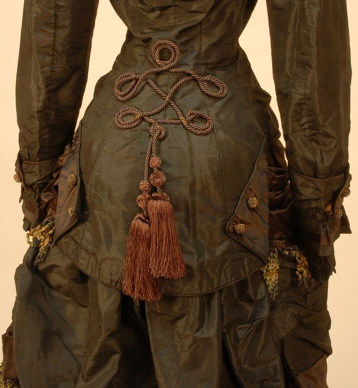 Detail of back of 1870's Black and Brown Silk Natural Form Silk Traveling Dress: Victorian Lady, Steam Punk, Steampunk, Bustle Dresses, Natural Form, 1870, Vintage Clothing, Back Details, Brown Silk