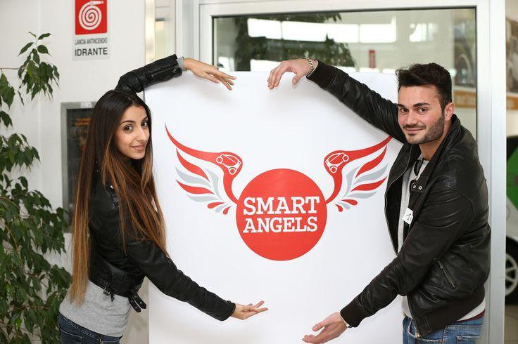 """Vuoi diventare uno """"smart angel""""? Mercedes-Benz Italia offre a 500 laureati e laureandi la possibilità di guadagnare 500 euro per ogni nuovo cliente segnalato.   C'è tempo fino all'11 aprile per gli aspiranti smart angels che possono presentare la propria candidatura chiamando i numeri 800 141020 e 06 899 20 221 o via e-mail all'indirizzo smartangel@wobinda.it. Tutti i candidati saranno successivamente chiamati ad una selezione che avverrà presso lo smart Center di Via Zoe Fontana, a Roma."""