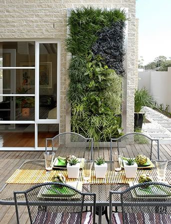 Vertical Plant Wall: Modern Gardens, Gardens Ideas, Living Wall, Gardens Design Ideas, Green Wall, Interiors Design, Vertical Gardens, The Great Outdoor, Wall Gardens