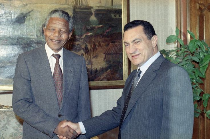 Nelson Mandela's Life in Photos  with President Hosni Mubarak