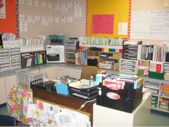 Photos of my 3rd grade classroom 2009 mouths desk - Classroom desk organization ideas ...