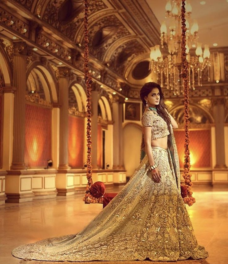 Erum khan Pakistani couture