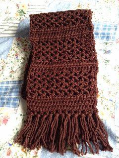 No último Natal recebi um lindo cachecol de crochê vermelho que acompanhava praticamente ...