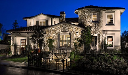 Another one of my dream homes. Has it's own courtyard and even it's own wine cellar. To top it off there's a second floor laundry room. So gorgeous. =)
