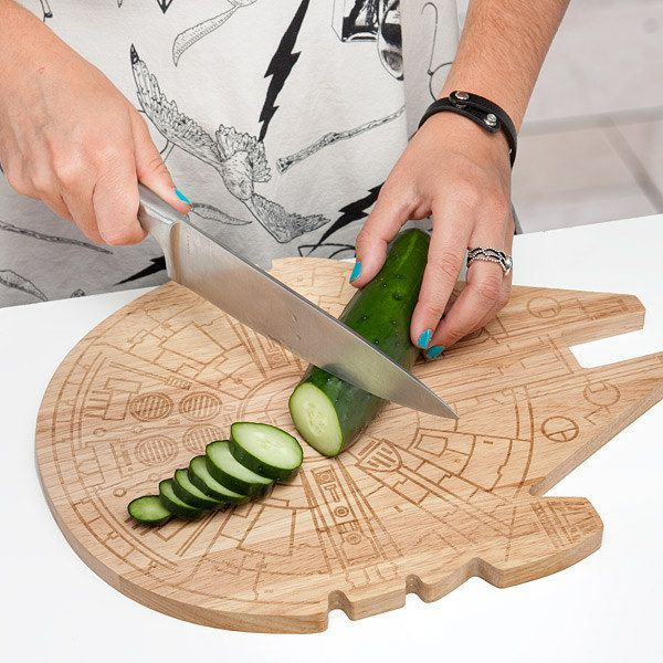 This Millennium Falcon cutting board. | 27 Wonderfully Geeky Products You Never Knew Your Kitchen Needed