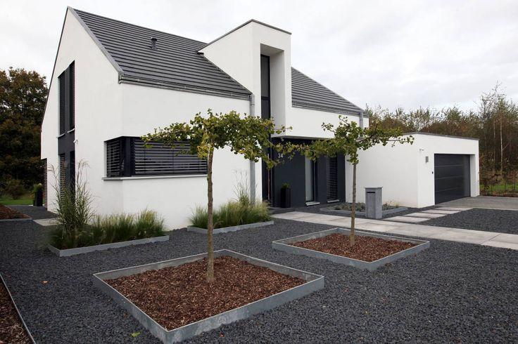 Finde Minimalistisch Häuser Designs: Front. Entdecke die schönsten Bilder zur Inspiration für die Gestaltung deines Traumhauses.