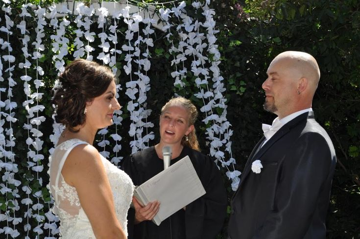 Best 25+ Wedding Officiant Ideas On Pinterest