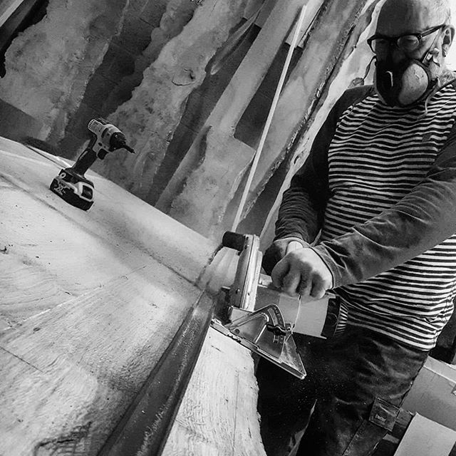 Putting A 15 Chamfered Edge Onto The 75mm Thick Oak Diningtable