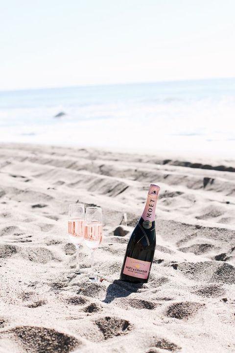 Pop open the champagne, it's Friday after all!  @mija_mija