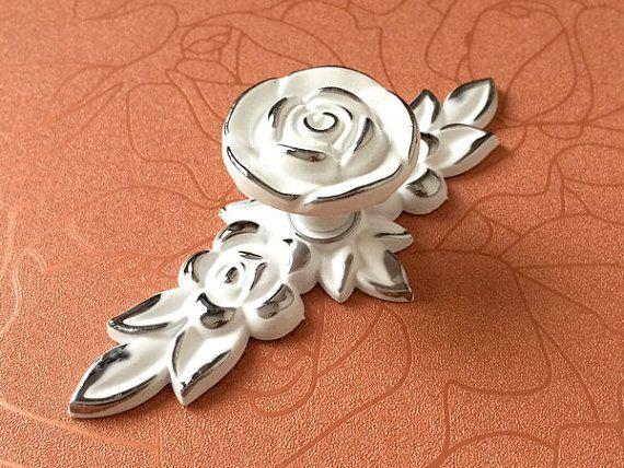 Shabby Chic Dresser Drawer Knobs Pulls Handles White Silver Rose / Flower Kitchen Cabinet Knobs Handles Pull Ornate Knob Hardware