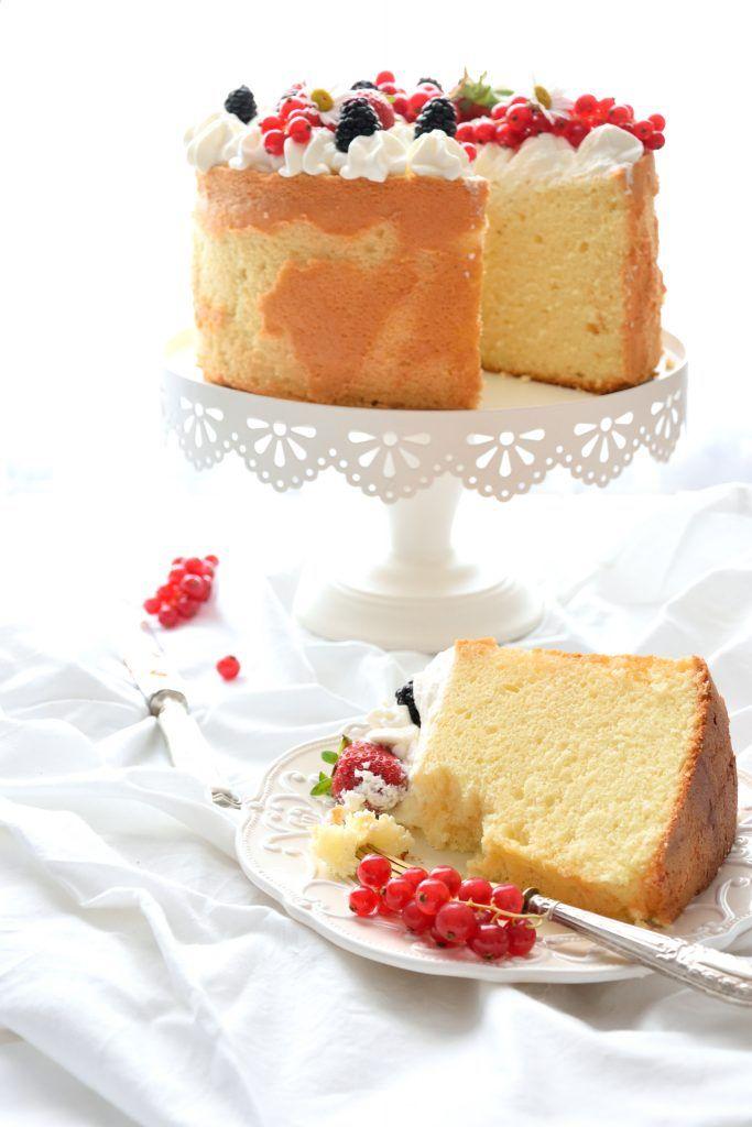 Fluffosa alla vaniglia con Camy Cream e frutti di bosco
