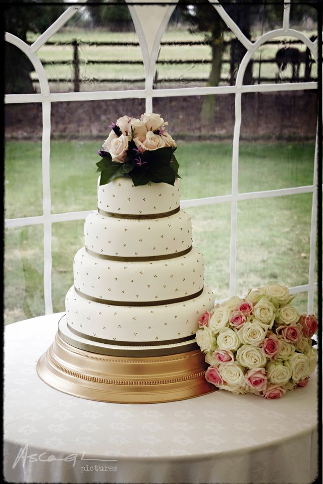 wedding cake shot 30 best wedding cakes images on wedding 24507