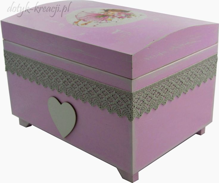Kuferek dla dziewczynki do kupienia na http://dotyk-kreacji.pl/