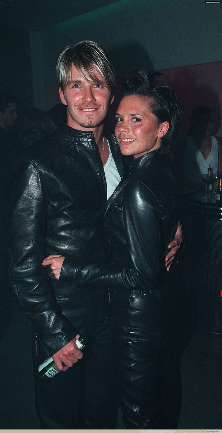 1999 - Beckhams at a party at the Versace store New Bond Street - 01 - ZIGAZIG HA! Gallery