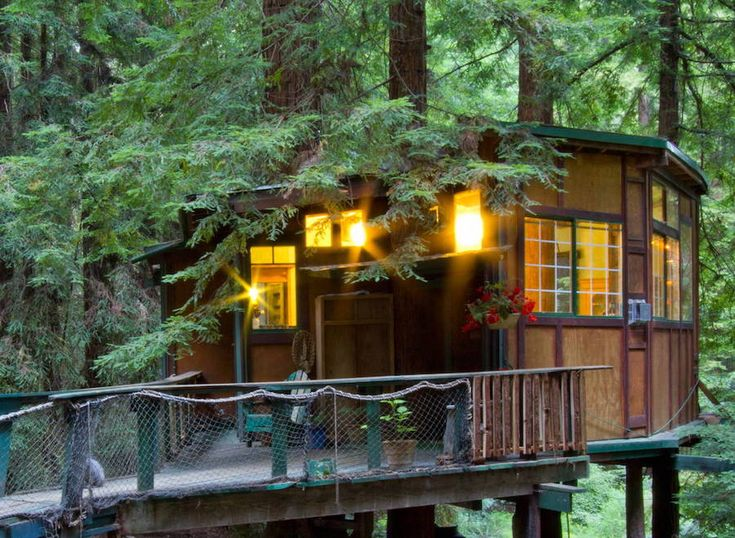 A guest treehouse in The Santa Cruz Mountains in Watsonville, California. (pinned by haw-creek.com)