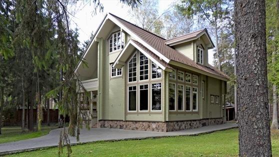 Двухэтажный деревянный дом поселок Серебряный Бор по Киевскому шоссе