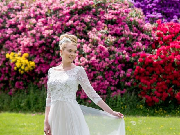 Elegant lace sleeves are a popular trend for #brides tying the knot in 2016, so this dress by Clifton Brides is a must! Image © Kelly Weech. #wedding #weddingdresses #longsleevedweddingdresses #bridalstyle