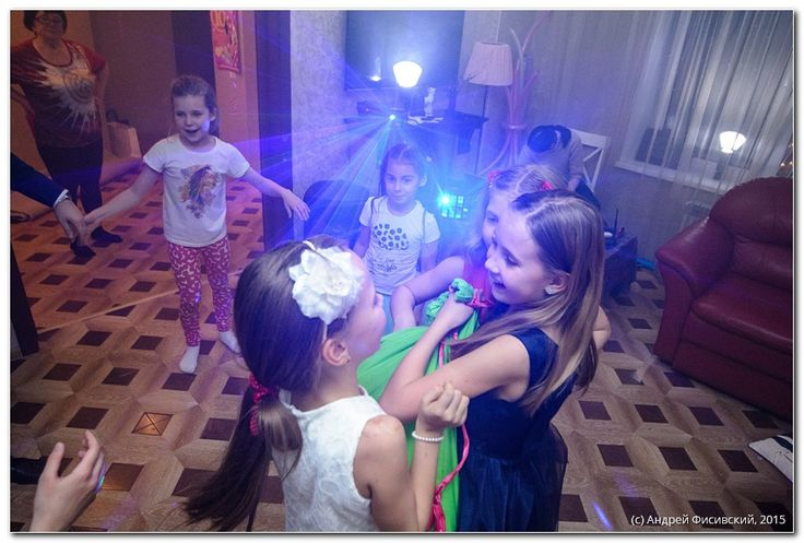 http://www.pixelvania.ru/index.php/glavnaia/46-blog/1241-fotograf-na-den-rojdeniia-chto-i-pochem.html  Потратив кучу денег на день рождения, убейте в себе жабу и пригласите на мероприятие фотографа: деньги скоро к вам вернутся снова, а вот время уже никогда. Детский фотограф в Краснодаре +7 995 20-10-224  -----