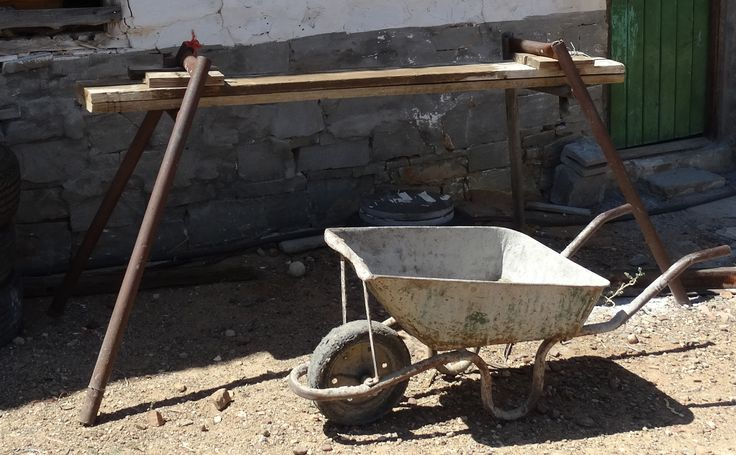 Farmyard mobile work bench with wheelbarrow for scale :)