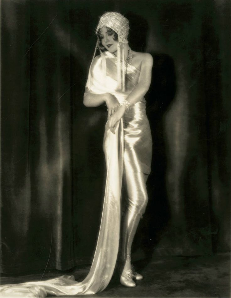 dorothy knapp fashion 1920s | Classic Hollywood gowns