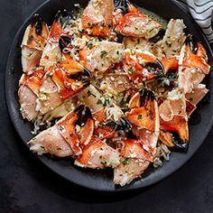 Jonah Crab Claws with Garlic-Wine Sauce // Turn frozen crab claws into a stunning dish in just 30 minutes. #hannafordfresh