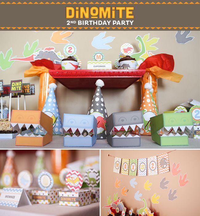 Dinosaur Party on a Budget | Strawberrymommycakes.com