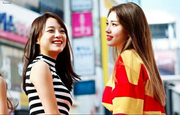 The perfect pic #Produce101 Kim Sejeong & Jeon Somi