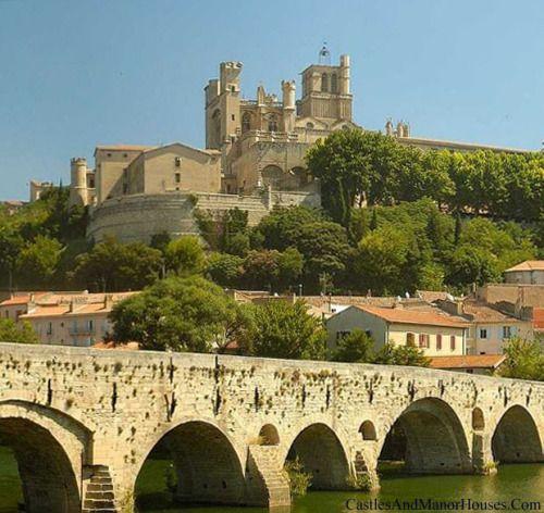 """catharcountry: """"Cathédrale Saint-Nazaire-et-Saint-Celse, Béziers, Franciaország.  www.catharcountry.info Béziers volt az első célpont a háború ellen, a katharok (a """"albigens Crusade"""") a 1209. Szerint a ciszterci apát parancsot, jelentés ..."""