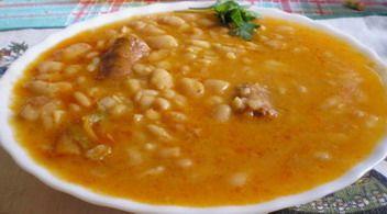 Potaje de jud as 1 litro de agua 1 libra de jud as for Azafran cuban cuisine
