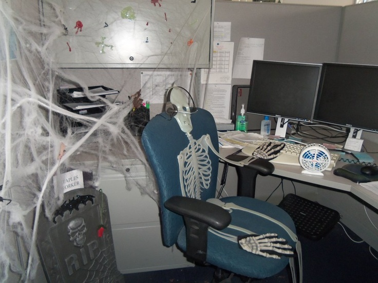 halloween fun in broomfield co cubicle office - Office Halloween Decorations