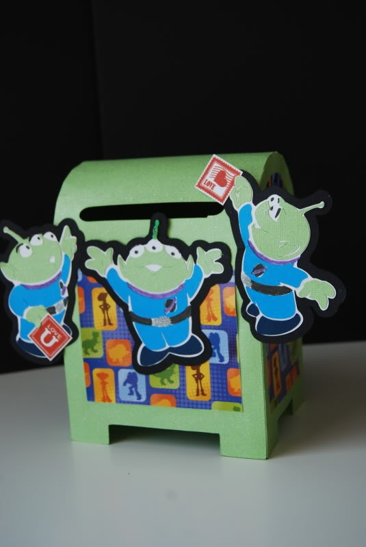 V-day mail box with the toy story aliens.  createdbymissie.blogspot.com